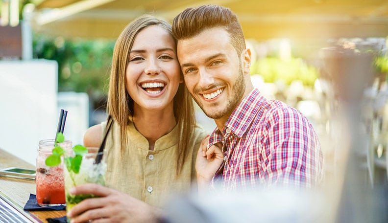 What To Say On A First Date to Keep It Light, Easy and Flirtatious